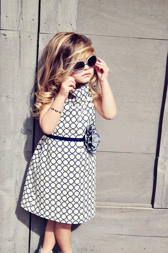 Cute dress and flower belt!