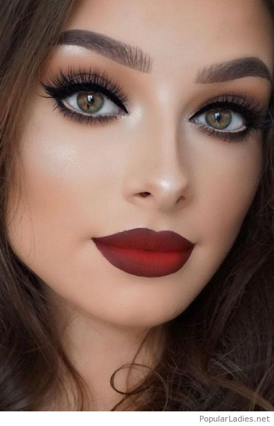 Matte red lips and cat eyes | Make up | Pinterest