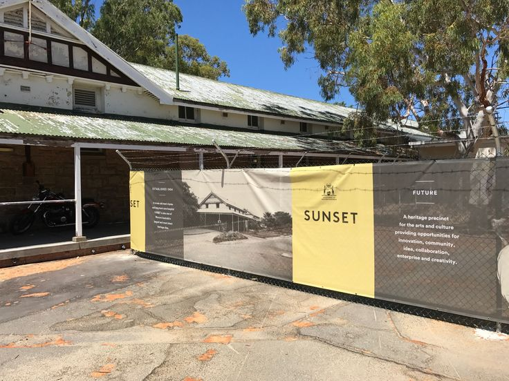 Chainmesh fencing 2017 - Protecting heritage listed Perth buildings.