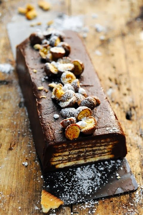 Petit beurre biscuits and chocolate cake - Recipe in English...but it looks so beautifully French.