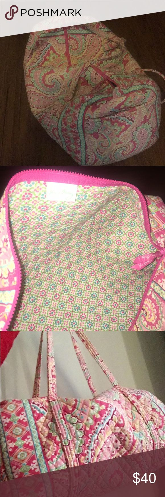 Vera Bradley duffel bag Gently used Vera Bradley duffel bag. Perfect for travel and fits as a carry-on for the plane. Vera Bradley Bags Travel Bags
