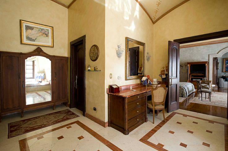 Vanity.  http://costaricamilliondollarhomes.com/Casa-Italian-Style-Residence/index.html