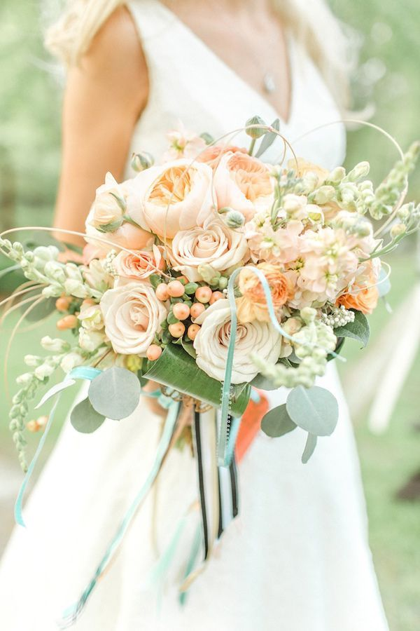 Peach wedding bouquet - itakeyou.co.uk