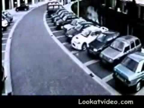 Incredible Parking to Escape Police