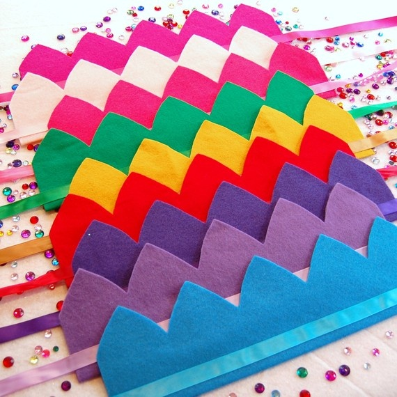 decorate princess crowns - JUST an idea to jump off from - using felt and…