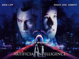 Inteligencia Artificial es una película de ciencia ficción con matices románticos. El robot es adquirido por una pareja que perdió a su hijo; adoptan este prototipo de niño para llenar el vacío.  Lo que trata de vender es la relevancia que ha tenido para nosotros la inteligencia artificial hasta el grado de poder suplantar un integrante de la familia