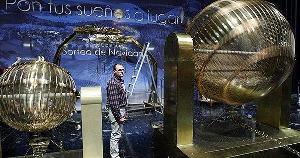El Teatro Real de Madrid acoge el sorteo del primer 'Gordo' sin impuestos.