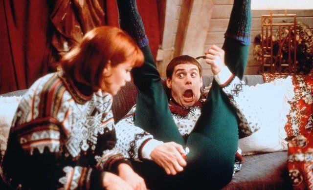10 секретов братьев Фаррелли. Накануне выхода фильма «Тупой и еще тупее 2» Питер и Бобби решили пуститься в откровения о Дженнифер Лоуренс, Вуди Харрельсоне и Эдди Мерфи.