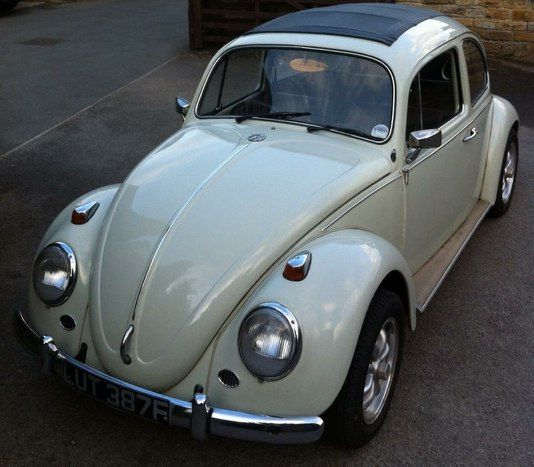 Beautiful 67 Beetle in great condition. reconditioned engine, mechanically 100%. Starts 1st time. Just had 4 new steel wings. Bodywork fine, Underside solid, Older body off resto. Full MOT. Tax free.