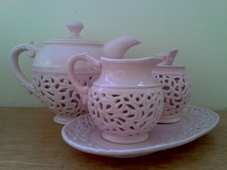 Casa Domani - Chantilly. Teapot, milk jug and sugar bowl set.