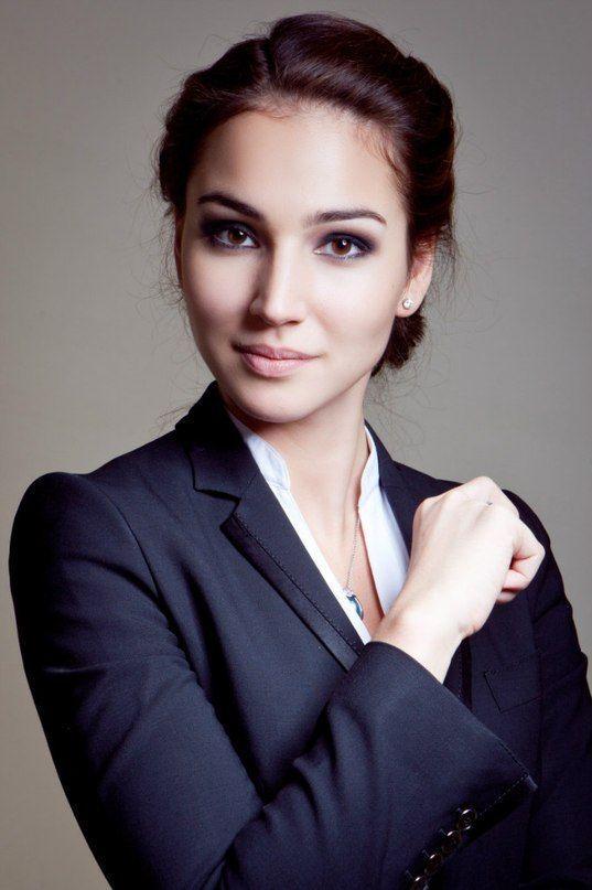 Moderne Business-Frisur: Fotos der besten Optionen für eine Business-Frau