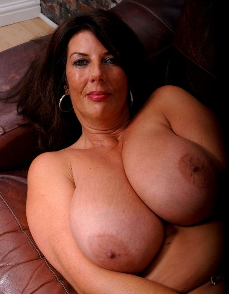 Old lady nice tits