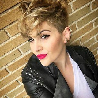 10 bildhübsche, pfiffige Frisuren für rockige Frauen … Etwas für Dich dabei?
