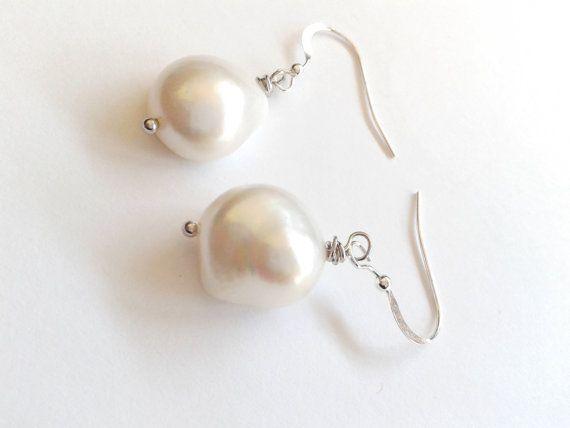 Guarda questo articolo nel mio negozio Etsy https://www.etsy.com/it/listing/502330395/orecchini-perla-barocca-e-argento-925