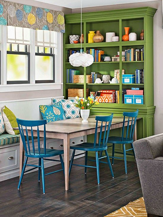 estante pintada de verde