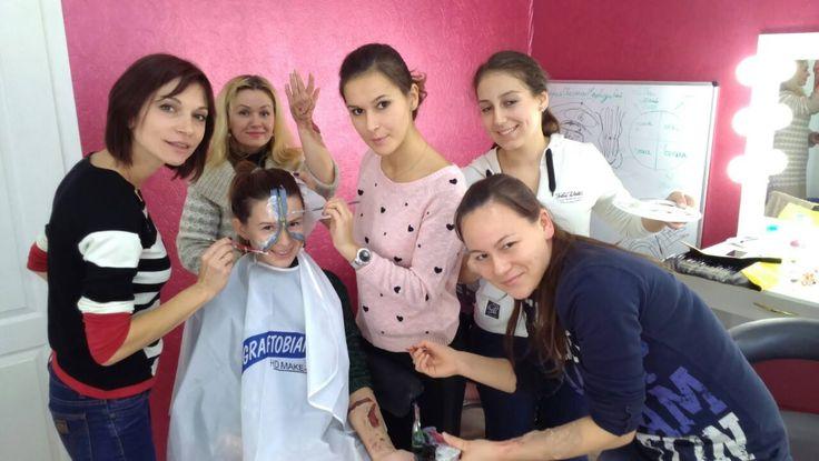 Вы готовы к Halloween? Мы - да! Студию украсили, образы продумали, грим приготовили: кровь, шрамы, порезы... Ждем Вас на невероятно страшный makeup! Запишись сейчас http://halloween.medvedeva.com.ua/