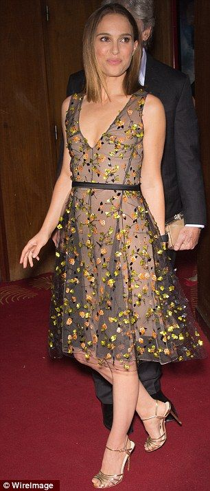 Natalie Portman in Dior  Note: LOVE  this dress! Great Style and Colors! Perfect for Autumn!