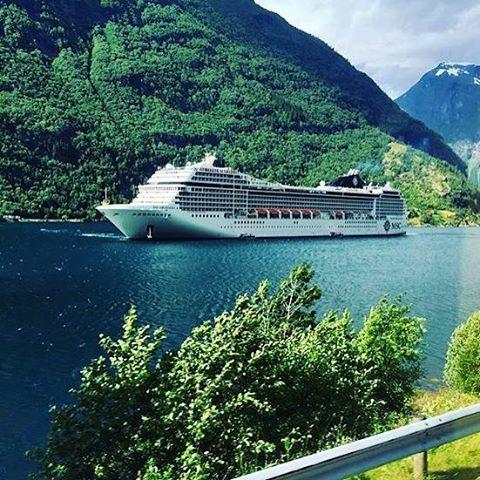 Viaja con MSC Cruceros a los mejores destinos del Norte de Europa. Disfruta de tus excursiones por las Capitales Bálticas y admira la Aurora Boreal.  INFO Y RESERVAS: http://www.crucerostransamerica.com/