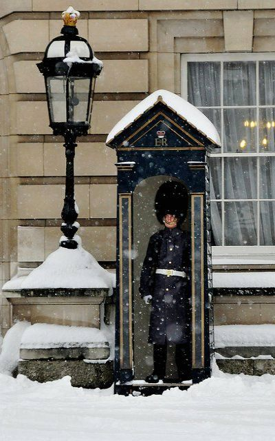 Buckingham Palace, London Snow... | Flickr - Photo by Paolo Camera
