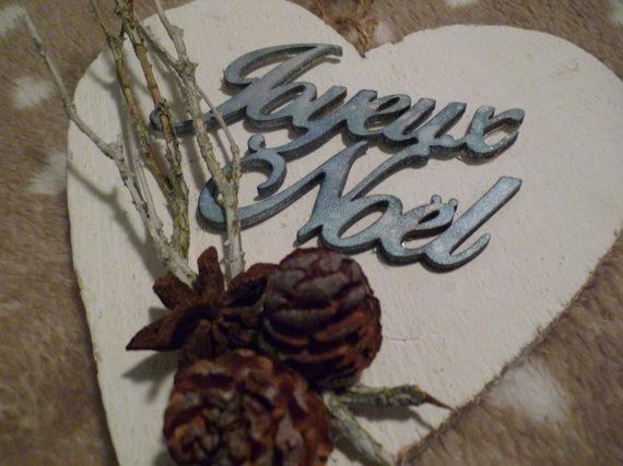 Guarda questo articolo nel mio negozio Etsy https://www.etsy.com/it/listing/255125758/cuore-di-legno-natalizio-joyeux-noel wodden heart, christmas decoration, christmas gift, xmas heart, joeaux noel, handmade, handmade gift
