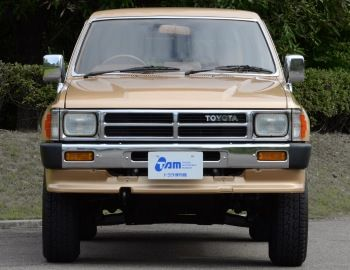 Toyota Hilux Surf (LN61) '1986–89