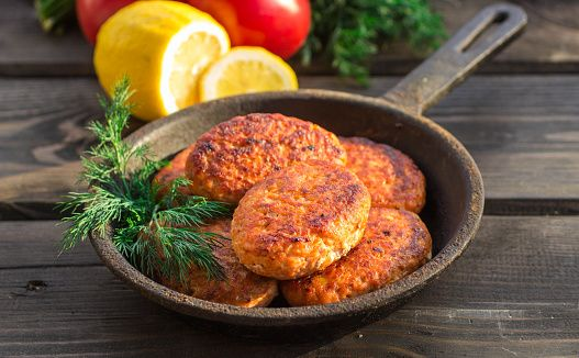 Nutrisystem provides a lighter, low-fat alternative to a classic seafood delight with this Old Bay Salmon Cakes recipe.