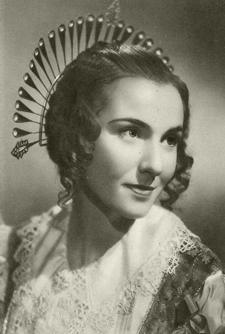Dina Sassoli as Lucia in I Promessi Sposi ( The Bethroted ) , 1941, directed by Mario Camerini