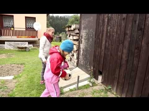 Hry našich babiček - YouTube