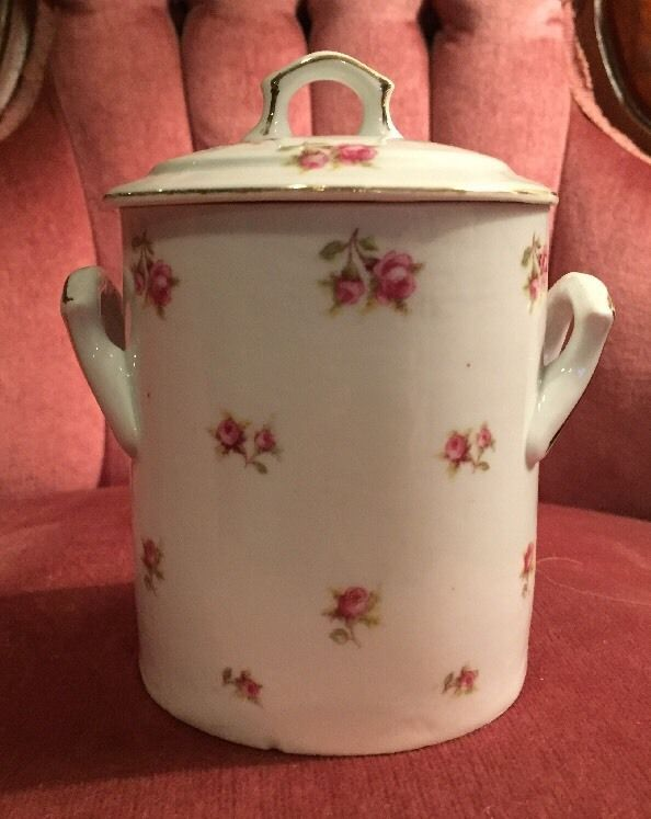 Vintage VICTORIA Czechoslovakia SMALL CANISTER? With Lid Rose Buds VIT22? VI250?