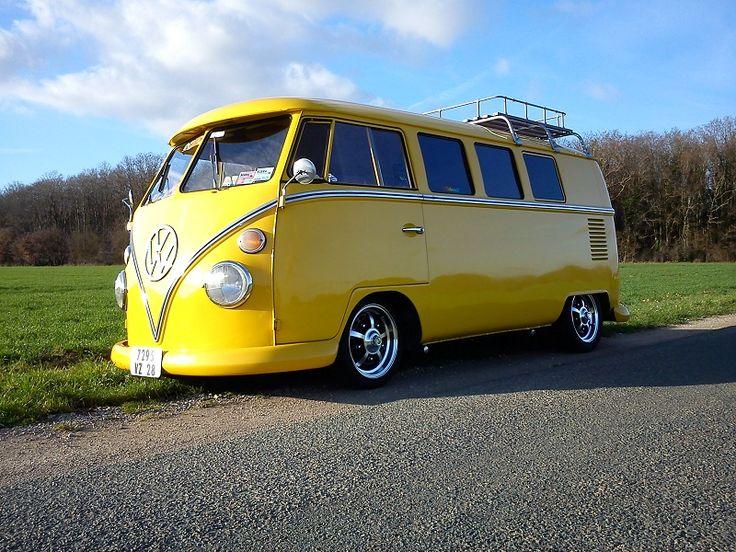 Now THAT's a yellow VW van!!