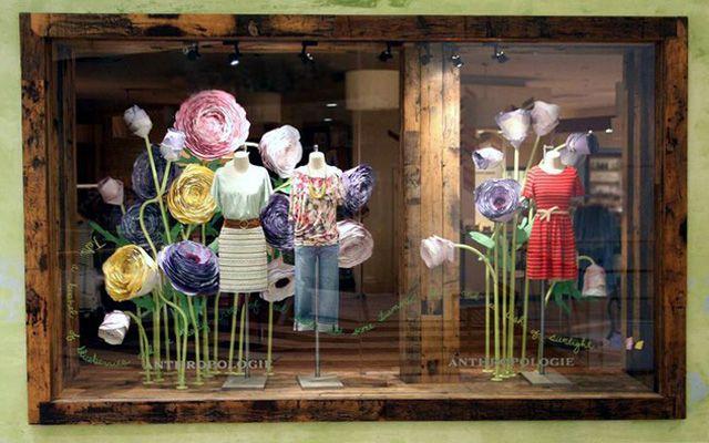Ideas para decorar escaparates en primavera decofilia - Como hacer un escaparate ...