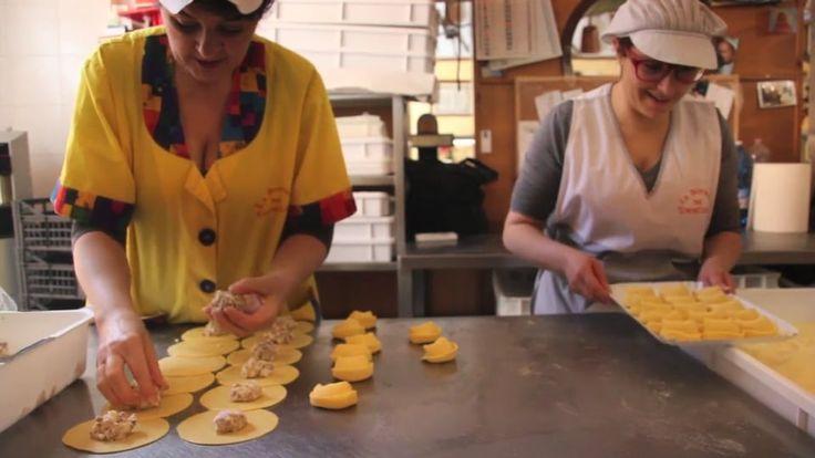 La Bottega del Tortellino - artisan pasta shop in Orvieto on Vimeo
