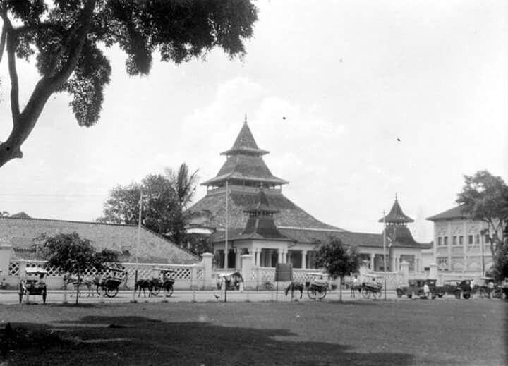 Masjid di alun-alun Bandung, 1929