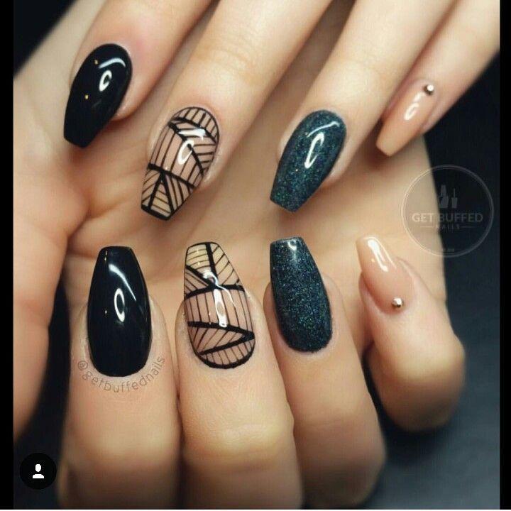 Kare kesim yine siyah black aseleti taşlı çizgili simli gel jel nail tırnak dizayn design