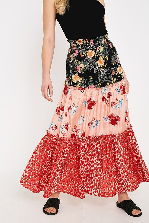 0d9457d36510 UO Mixed Floral Print Tiered Maxi Skirt in 2019   Holiday Clothes ...