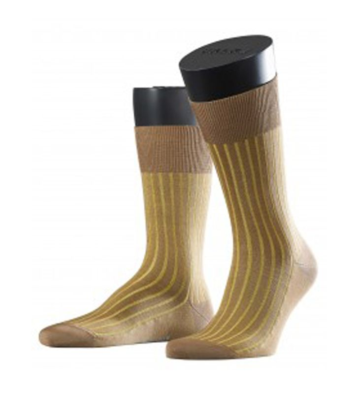 Falke Men's Shadow Fil d Ecosse Socks. Made of high quality fil d'ecosse which has a silky sheer lustre. Free worldwide delivery available.