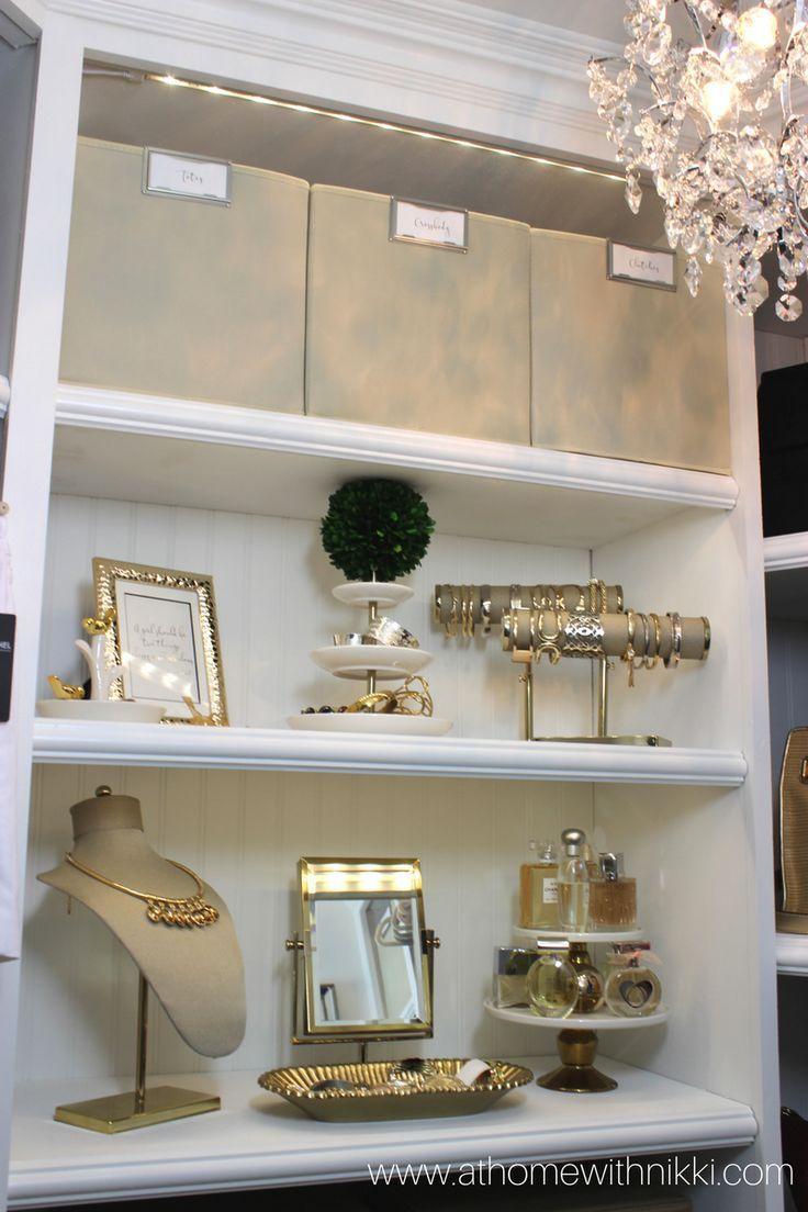 Zu Hause Bei Nikki Master Closet Tour Organiza Amp Bei Closet Hause Luxuryjewelryorgan In 2020 Schrankdekoration Begehbarer Schrank Schlafzimmerorganisation