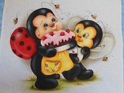 Joaninha e abelha com bolo - teruko artesanato