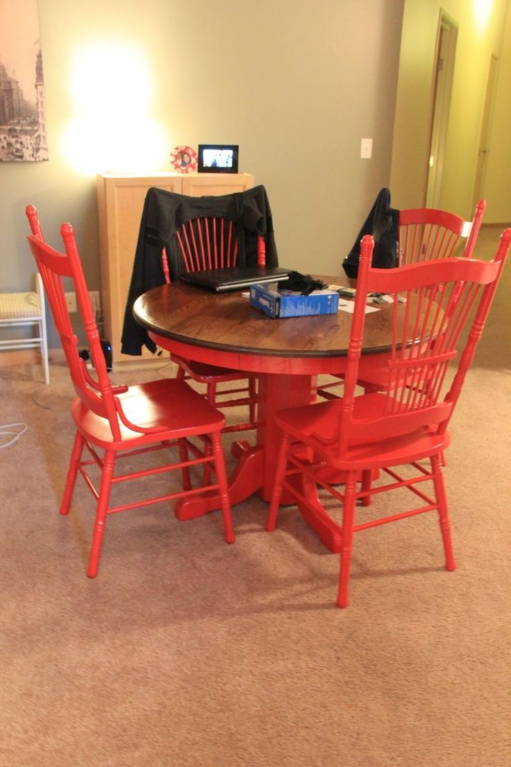 DIY Kitchen Table - redo your old kitchen table into something fresh!! This was so fun!