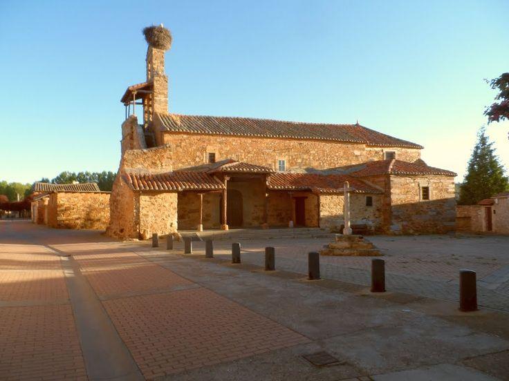 Iglesia de Murias de Rechivaldo, León, Camino de Santiago