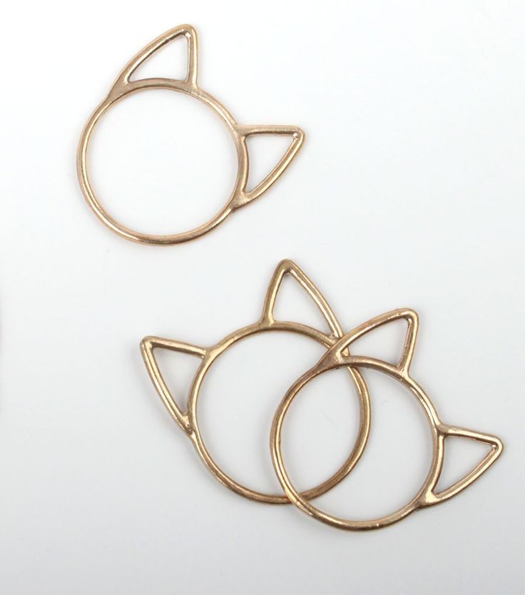 This cat ring is adorable. Perfect stacking ring. From Catbird.
