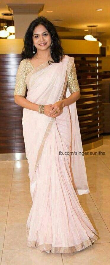 Singer Sunitha in pink saree..........