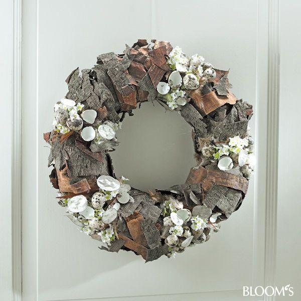 Frühlingskränze mit künstlichen Blumen: Kranz mit Gestaltung in Segmenten