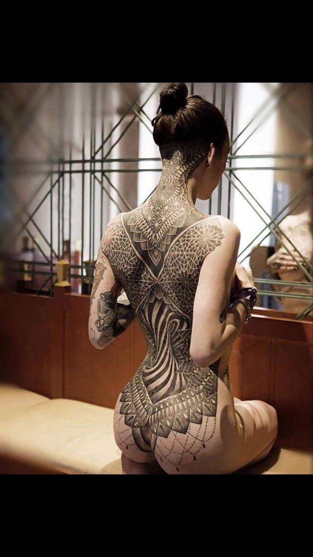 Drodher,  Tatuajes,  Lienso de espalda.