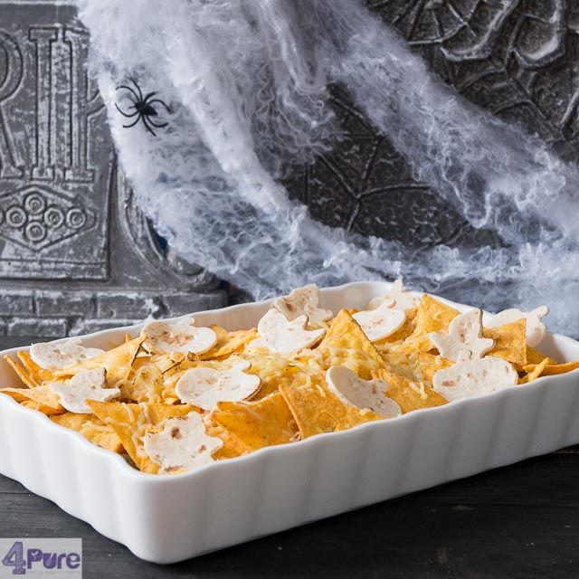 Mexican chicken nacho casserole - Halloween style. The how to of this recipe is really easy. And of course you can eat it all year round.