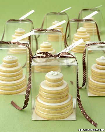 great wedding give aways i think: sugar cookie cakes