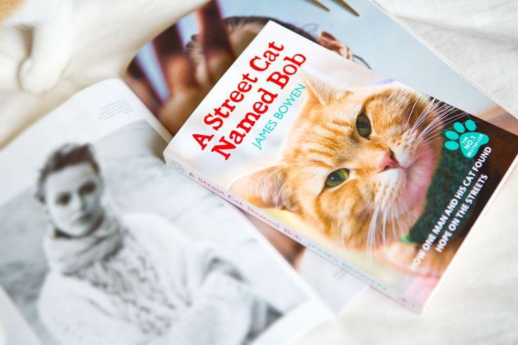 """Ik las laatst het lieve, maar ook meeslepende verhaal van James Bowen en de rode kater Bob in """"A streetcat named Bob"""". Je leest er alles over in het artikel op www.insideandout.nl! - streetcatbob book boek review boektip autobiografie"""