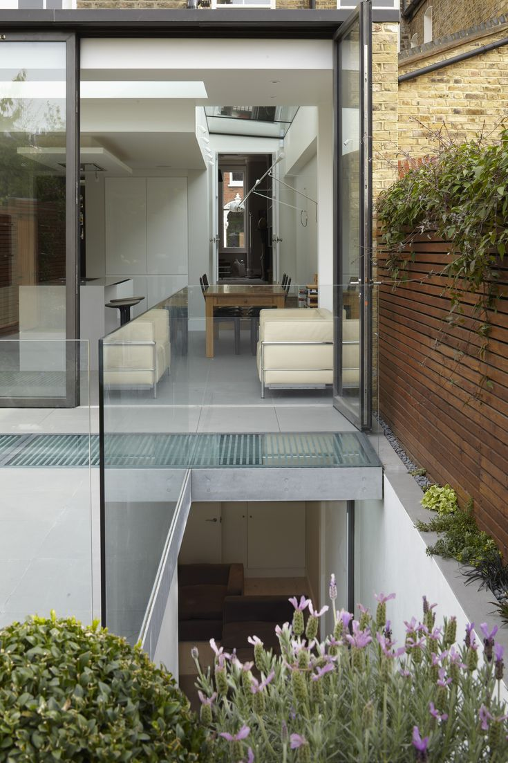 Lightwell to basement - Giles Pike Architects