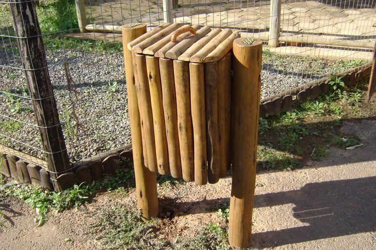 mobiliario urbano jardim:lixeira em madeira