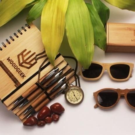 """WhatsHot.in has featured woodgeekstore as one of the """"5 Startups To Make Your Life Simpler."""""""